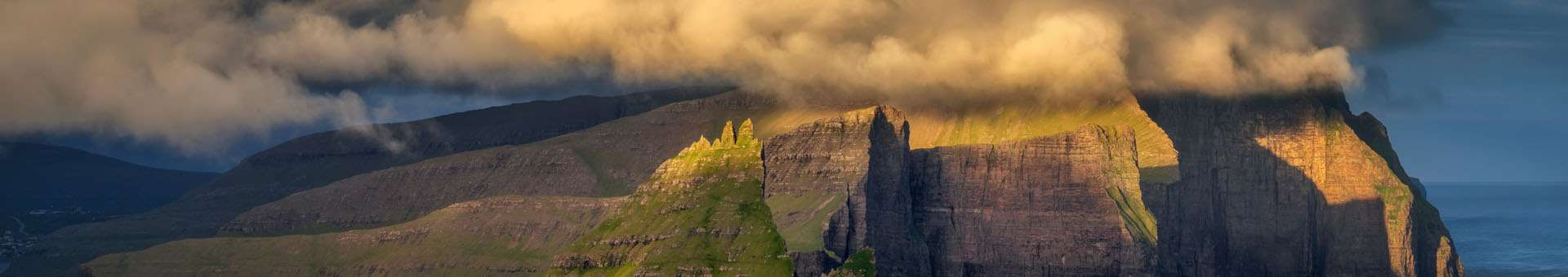 Search Whois information of domain names in Faroe Islands
